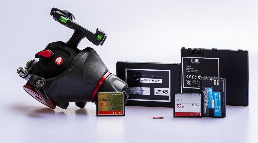 Das richtige Equipment – Speicher, Akku & Stativ